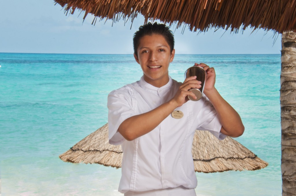 cancun bartender